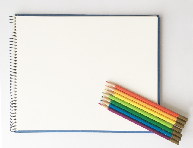 厚紙と色鉛筆