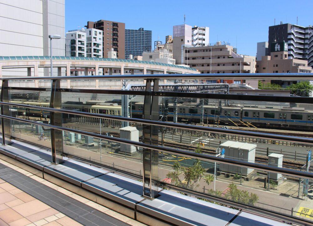 ボーノ相模大野から見える小田急線の電車