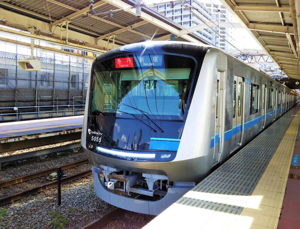 小田急線の通勤電車5000形
