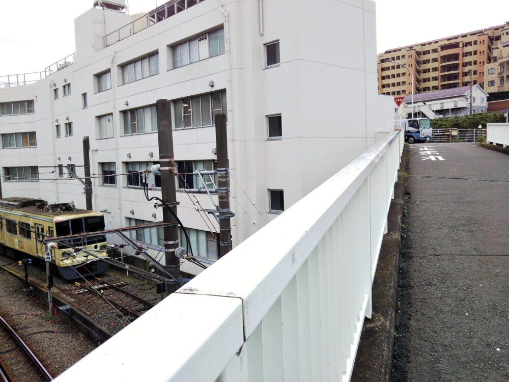 長津田駅こどもの国線に架かる橋