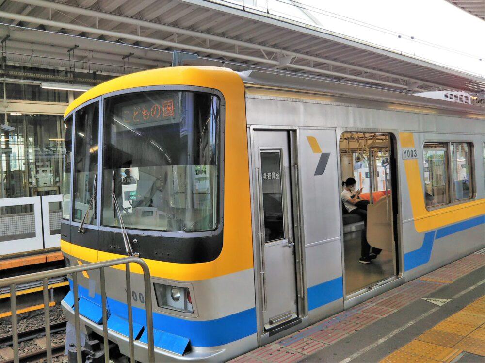 長津田駅で見えるこどもの国線の電車