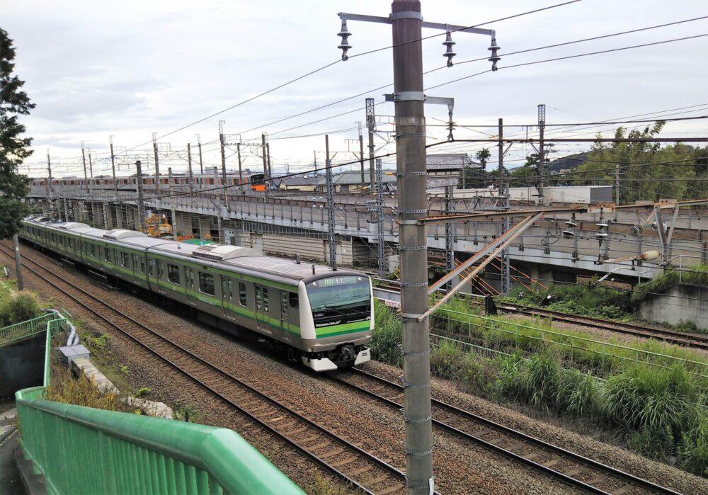 横浜線の電車が見下ろせる場所