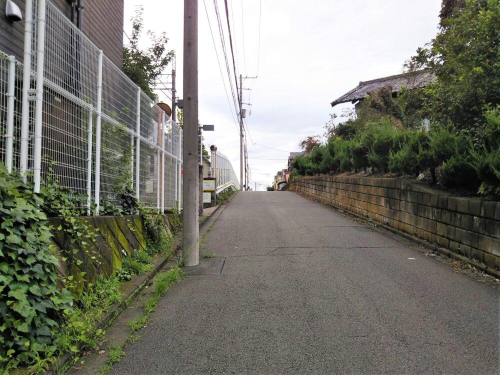 長津田倉庫前の道