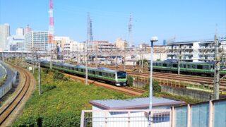 横浜線の車両基地が見える跨線橋
