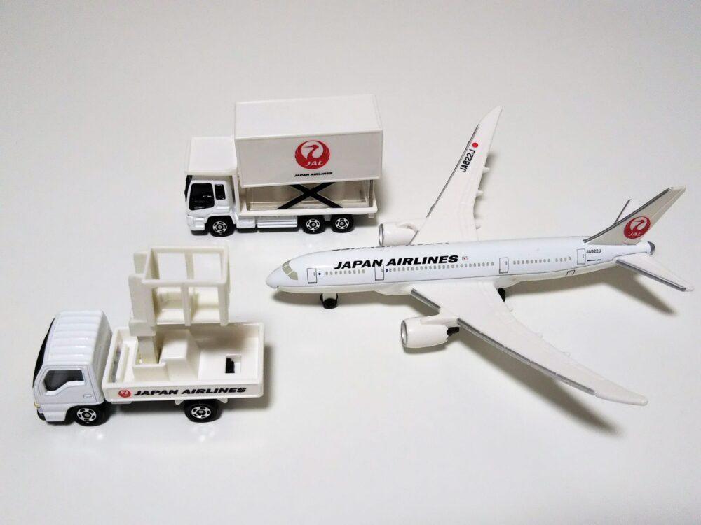 タカラトミーのトミカ『787エアポートセットJAL』