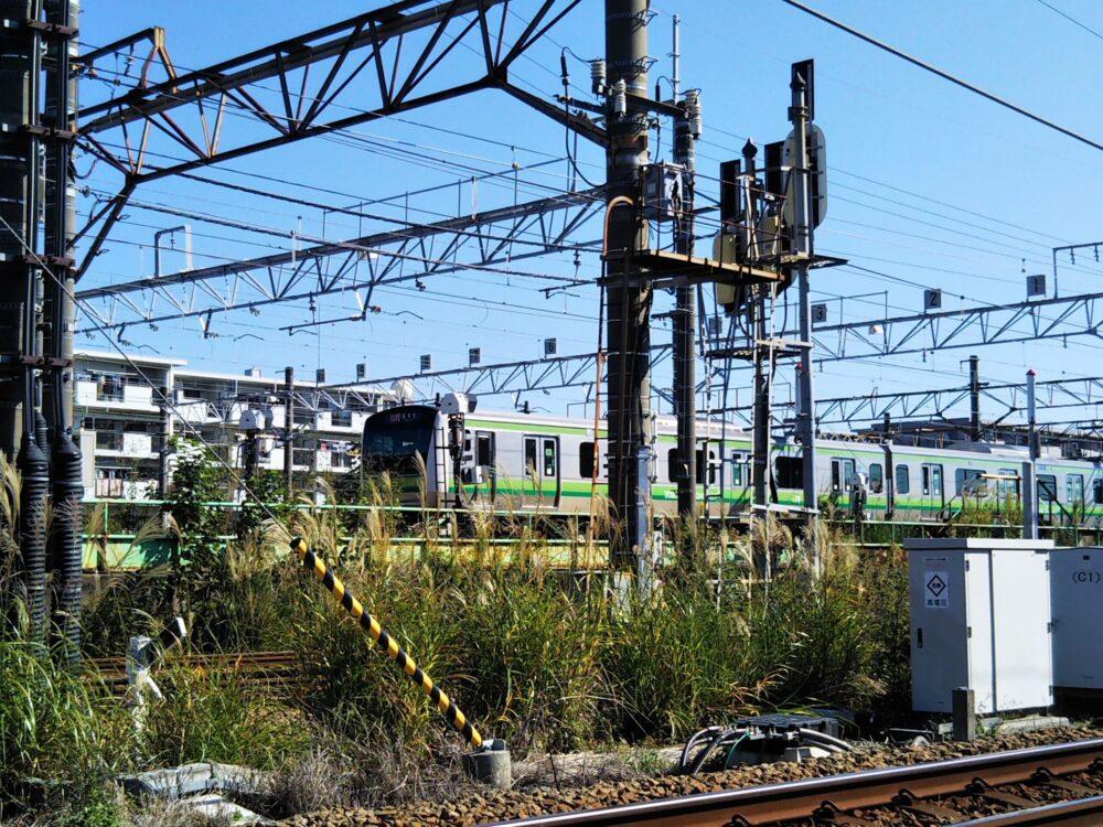 JR横浜線の車両基地を行き来する電車