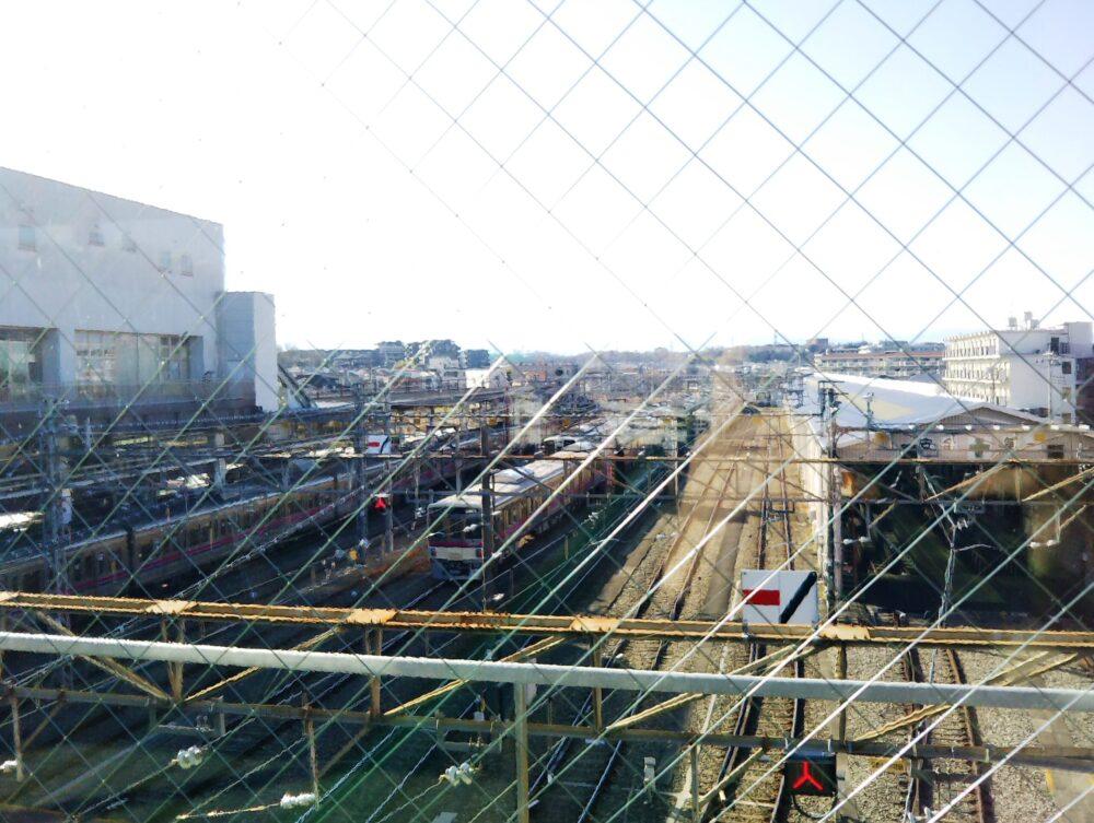 京王線の高幡不動検車区に入庫中の電車