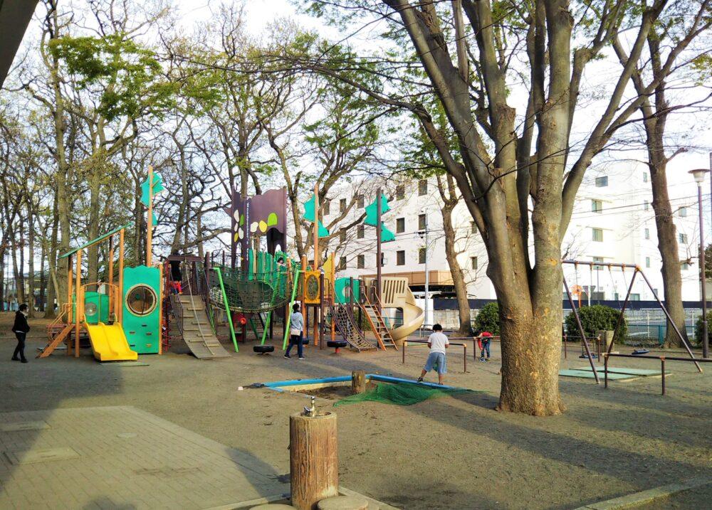 林間公園の遊具