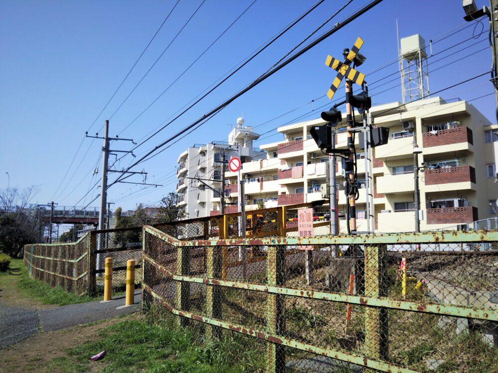 町田市役所付近にある踏切