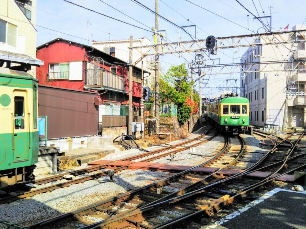 江ノ電|鎌倉方面から江ノ島駅に到着