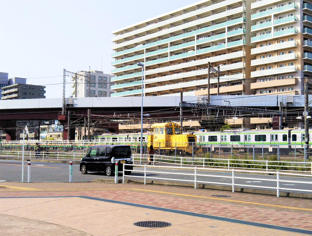 アリオ橋本から見えるJR東日本の作業車