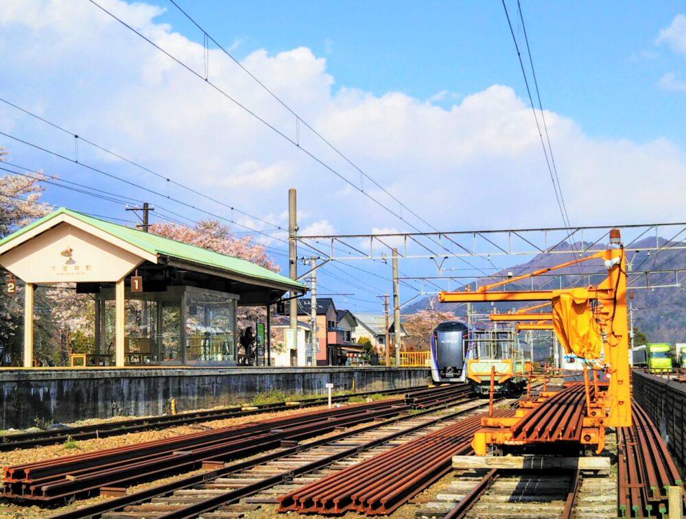 下吉田駅のホーム