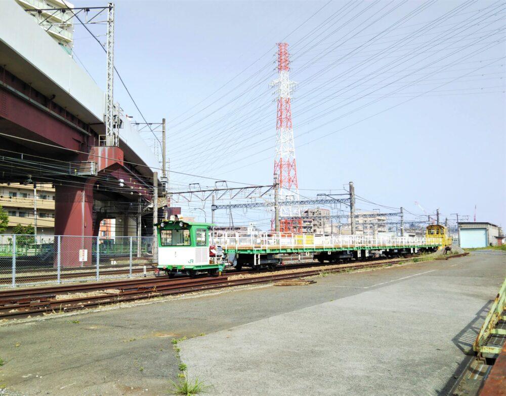 橋本駅で見えるJR東日本の作業車(全体)