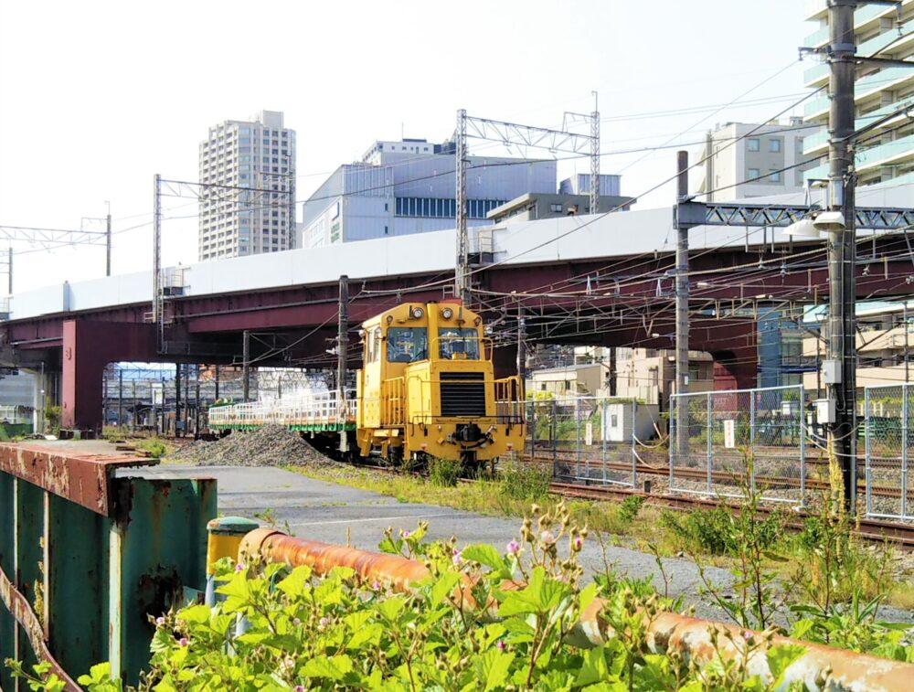 橋本駅で見えるJR東日本の作業車(正面)