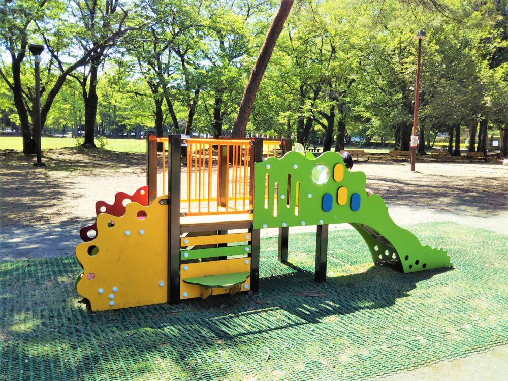 淵野辺公園の小型遊具|滑り台