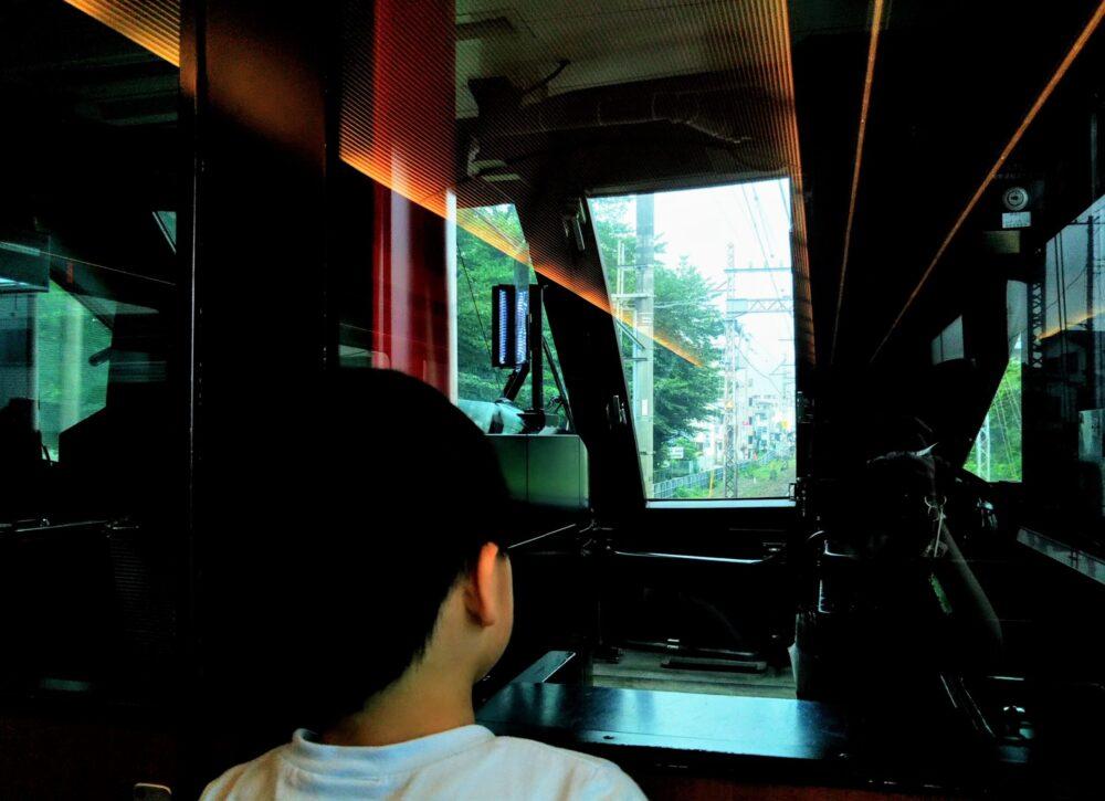 ロマンスカーMSE 先頭車両の座席から見える景色(窓側座席)