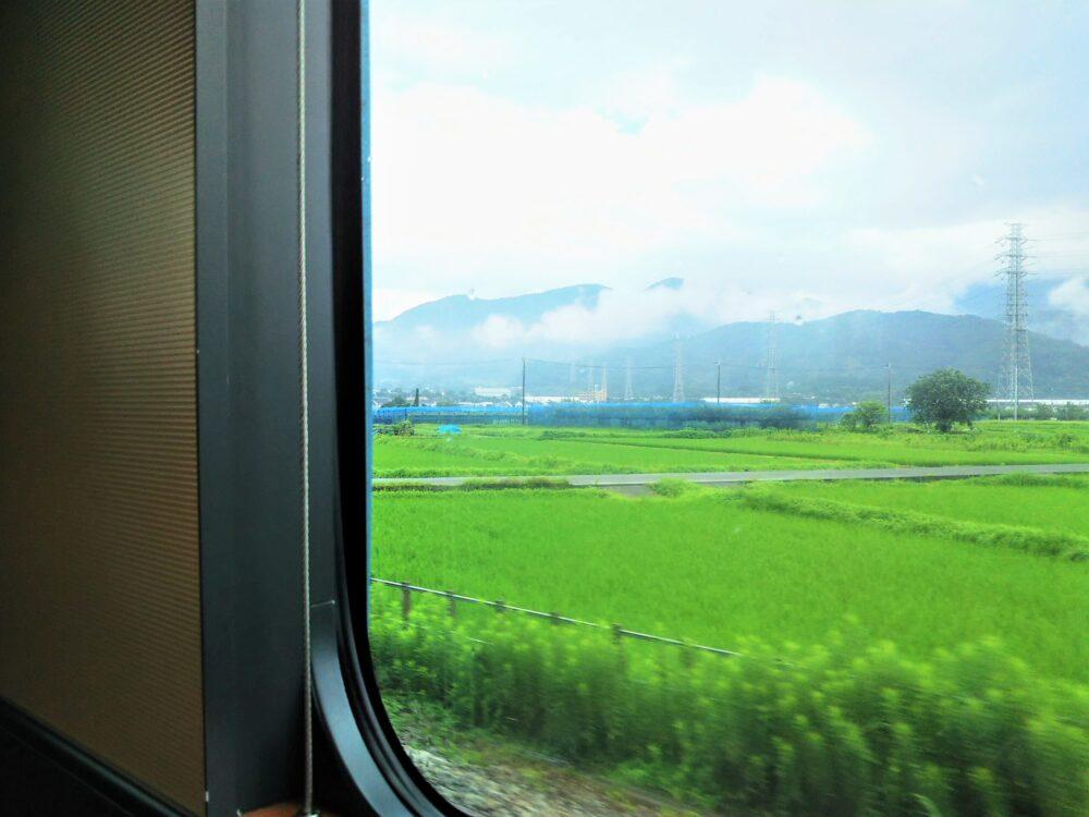 ロマンスカーMSE 先頭車両の座席から見える側面側の景色【窓側座席】