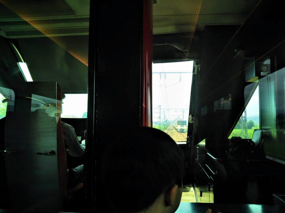 ロマンスカーMSE 先頭車両の座席から見える景色(通路側座席)