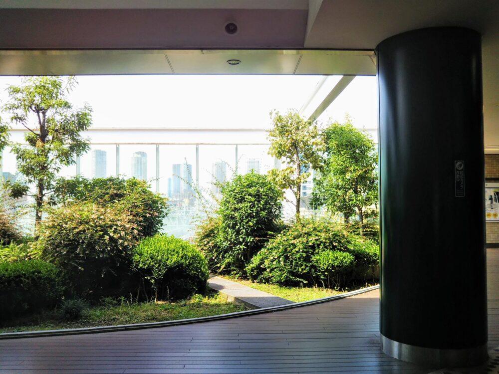 東急線の元住吉駅にある屋上庭園(外観)
