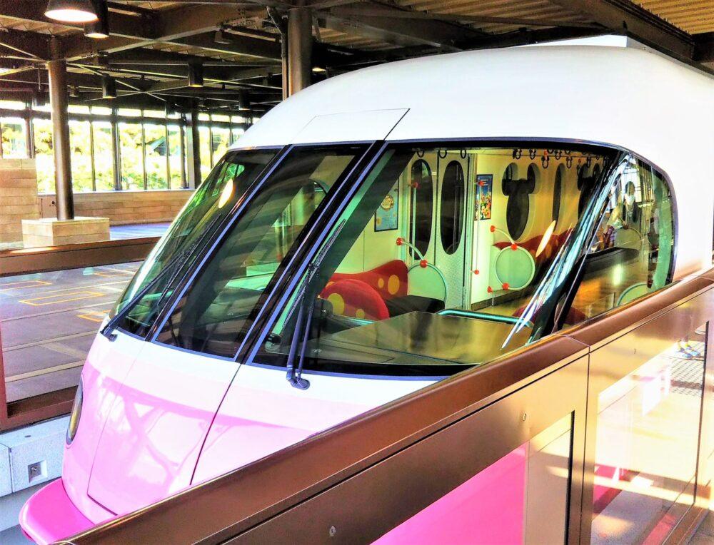 ディズニーリゾートライン 新型車両ピンク色