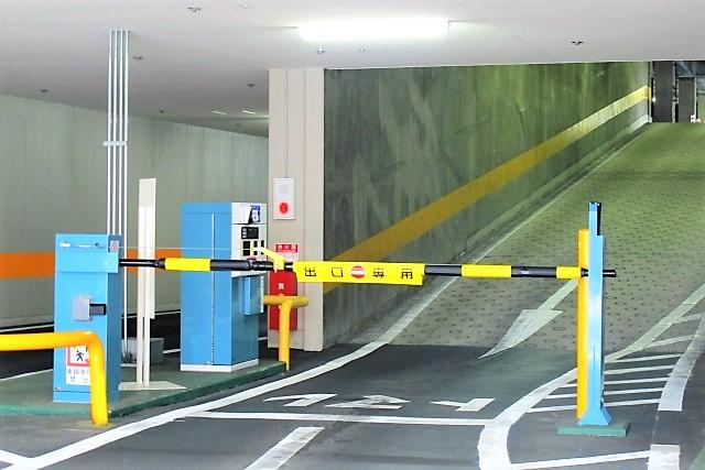 立体駐車場の入口